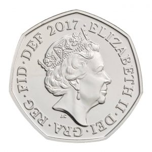 Image of obverse side of Isaac Newton 2017 50p coin featuring the fifth definitive portrait of HM Queen Elizabeth II